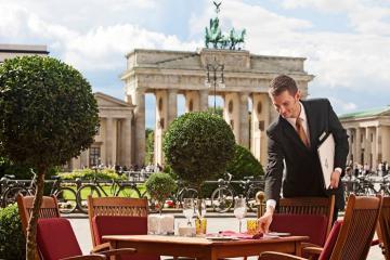 Vẻ đẹp vượt thời gian của khách sạn Adlon Kempinski, một huyền thoại trong trái tim nước Đức