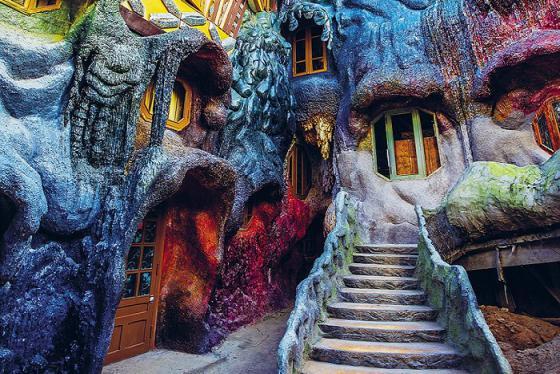 Biệt thự Hằng Nga Đà Lạt - Khách sạn được ví như 'Ngôi nhà quái dị' nổi danh thế giới