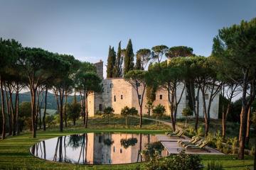 Lâu đài cổ vùng Umbria 1.000 tuổi trở thành khách sạn sang trọng