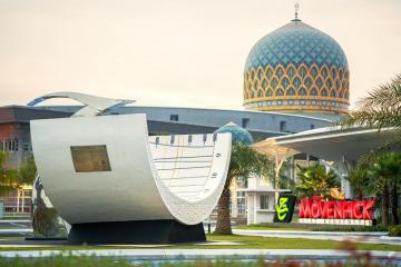 Ghé thăm Movenpick Hotel Convention Centre KLIA, khách sạn mái vòm độc đáo ở đất nước Mã Lai