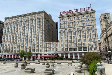 Bên trong khách sạn Congress Plaza – Nơi ma ám nổi tiếng ở Chicago