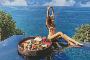 Dùng từ thiên đường để nói về Paresa Resort Phuket là chưa đủ miêu tả độ đẹp – sang – sịn – mịn của nó
