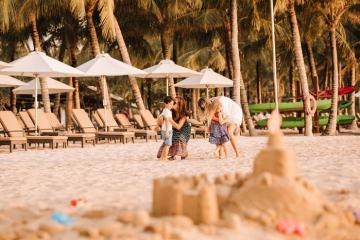 Tận hưởng kỳ nghỉ dưỡng thiên đường tại 10 khách sạn trung tâm Phú Quốc