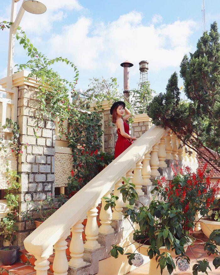 Nghỉ dưỡng tại 'lâu đài cổ tích' cổ kính giữa lòng phố núi - Saphir Đà Lạt Hotel ấn tượng và đẳng cấp