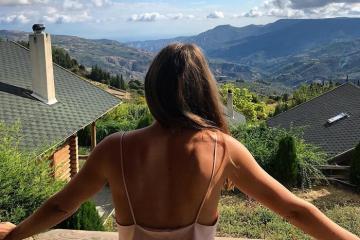 Khám phá Hyades Mountain Resort, khách sạn lấy cảm hứng từ gỗ và thiên nhiên tại Hy Lạp